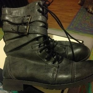 Winter Boots -Like New!